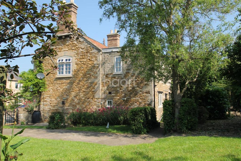 3 Bedrooms Cottage House for sale in Farm Cottages, Syston, NG32 2BX