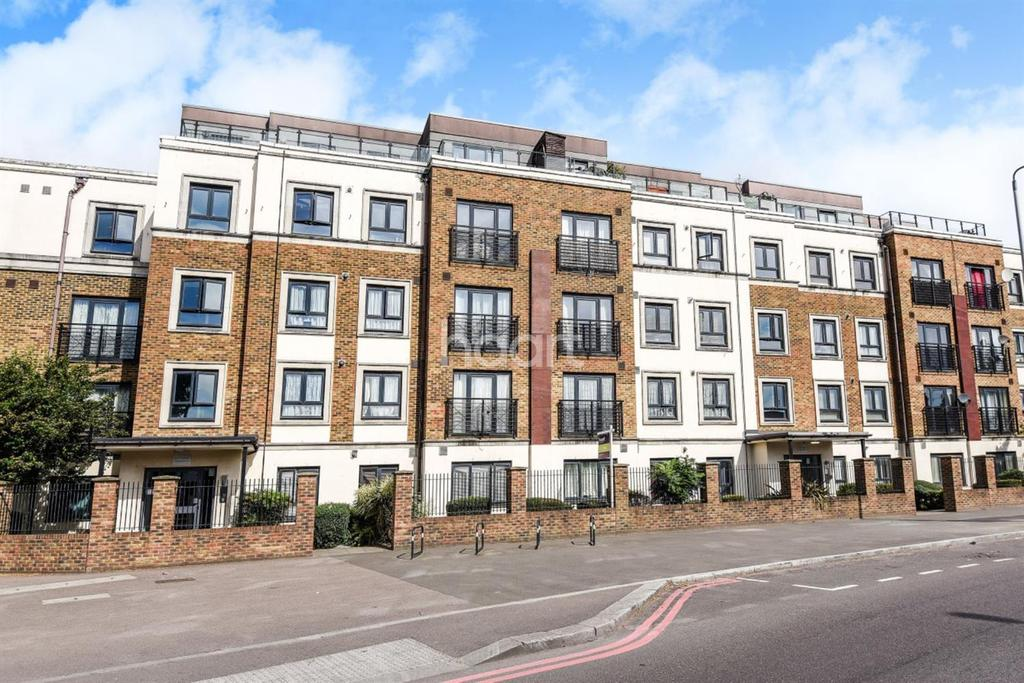2 Bedrooms Flat for sale in Thornton Road, Thornton Heath, CR7