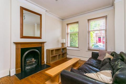 1 bedroom flat to rent - Amesbury Avenue, London, SW2