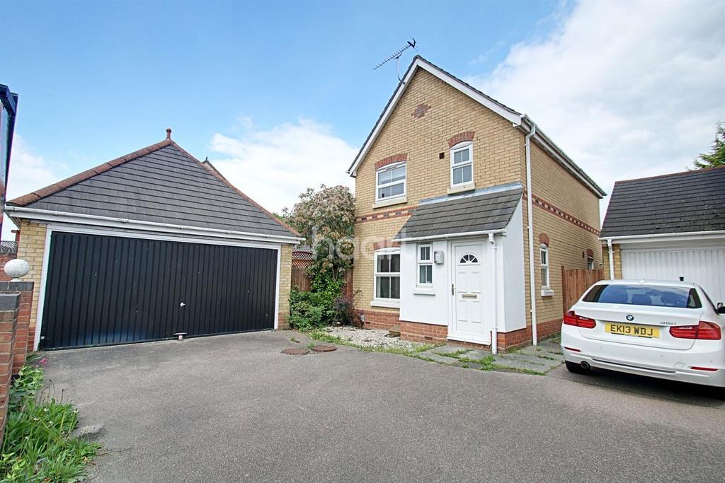 3 Bedrooms Detached House for sale in Derwent Road, Highwoods, Colchester, CO4