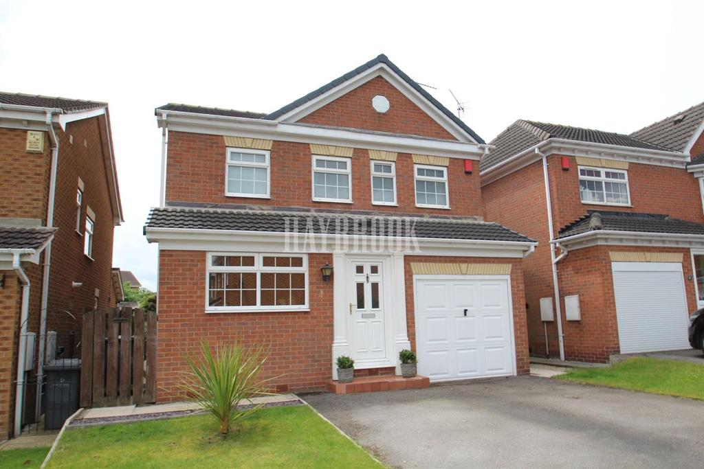 4 Bedrooms Detached House for sale in Wellcroft Gardens, Bramley