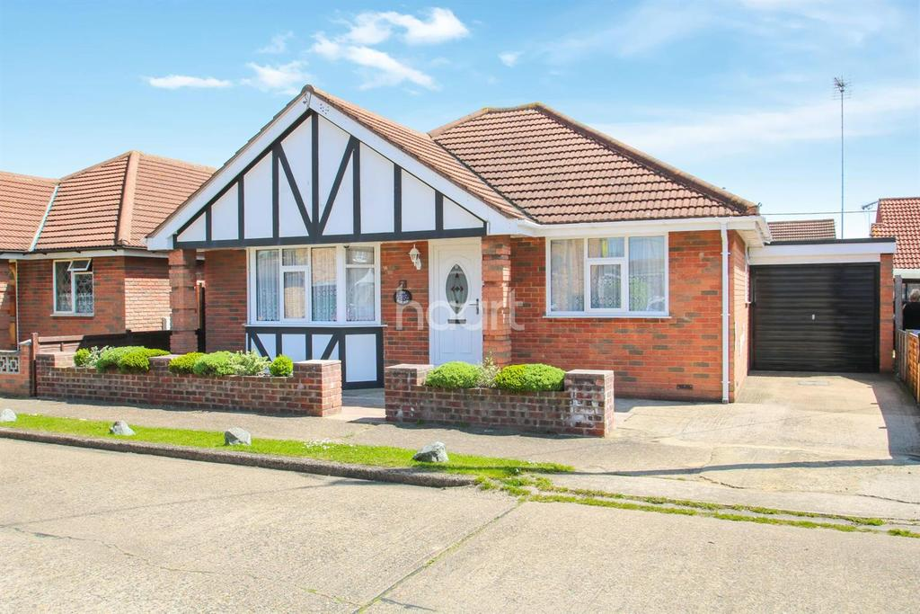 2 Bedrooms Bungalow for sale in Keer Avenue, Canvey Island