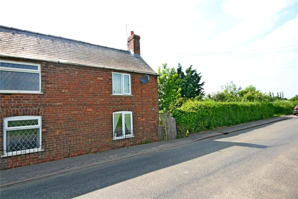 2 Bedrooms Semi Detached House for sale in Six House Bank, West Pinchbeck, Spalding, Lincolnshire, PE11