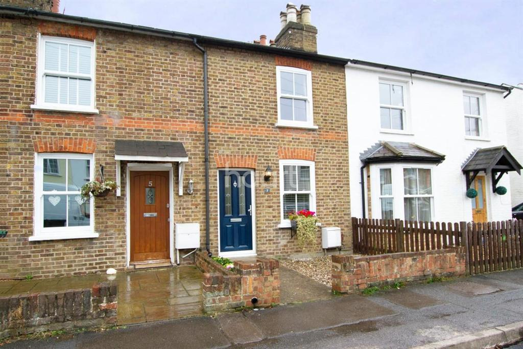 2 Bedrooms Terraced House for sale in Adrian Road, Abbots Langley, WD5