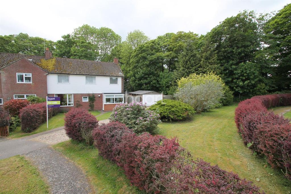 4 Bedrooms Semi Detached House for sale in Lakeside Rise, Blundeston, Lowestoft, Suffolk