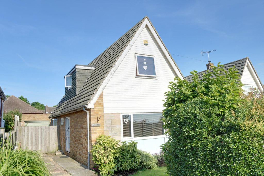 3 Bedrooms Detached House for sale in Wybornes Chase