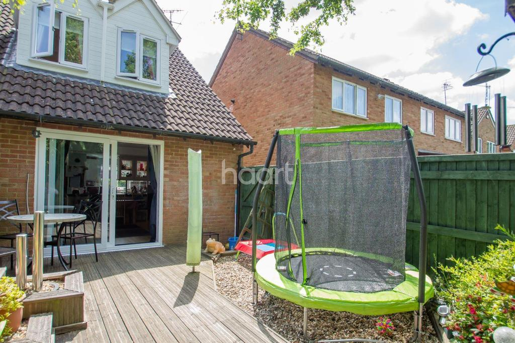 2 Bedrooms End Of Terrace House for sale in Bayleaf Avenue, Swindon, Wiltshire