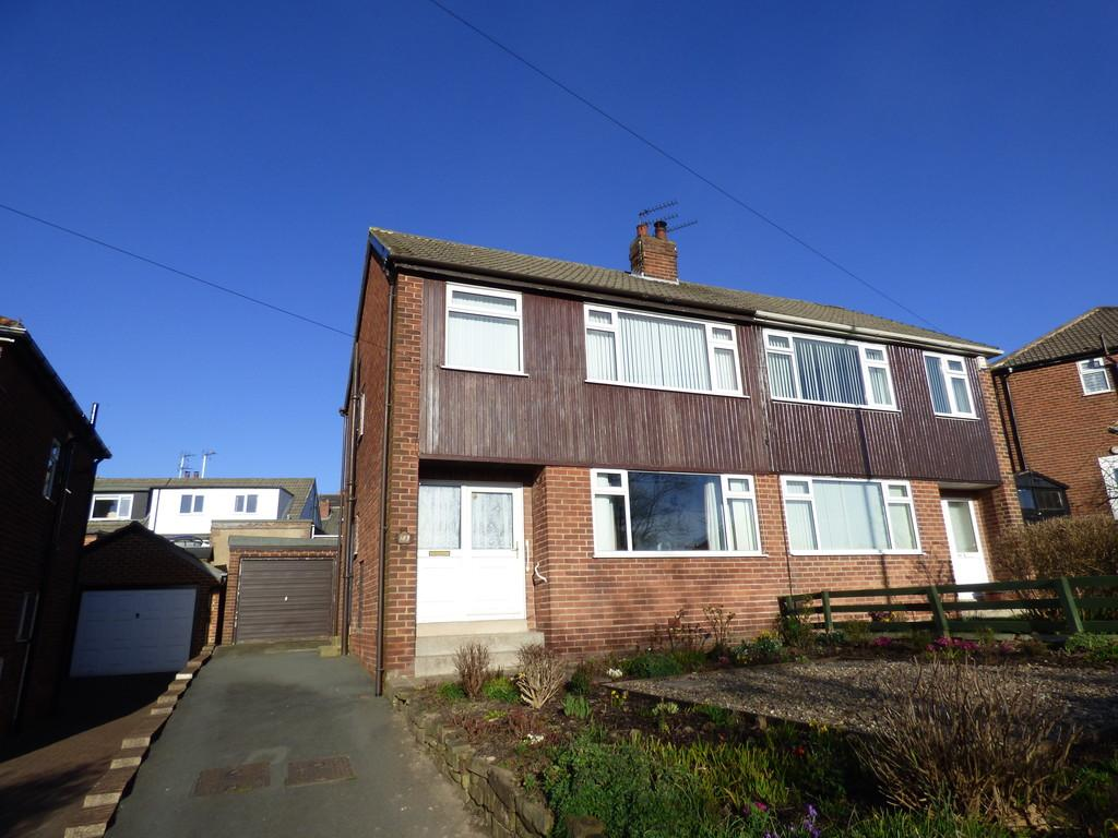 3 Bedrooms Semi Detached House for sale in Queensway, Yeadon