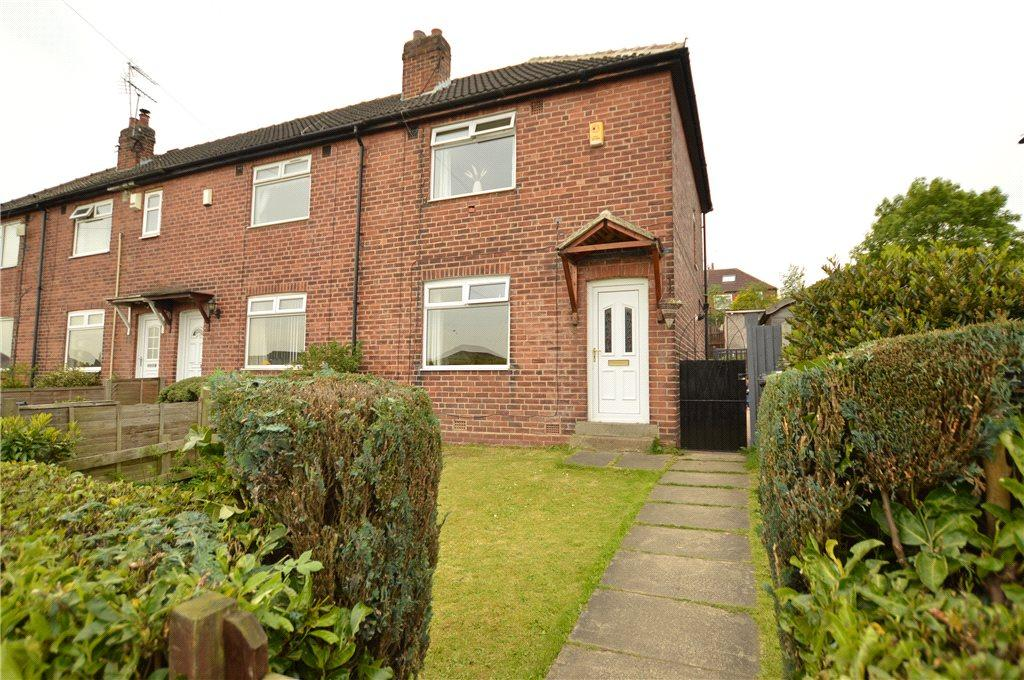 2 Bedrooms Town House for sale in William Street, Churwell, Leeds