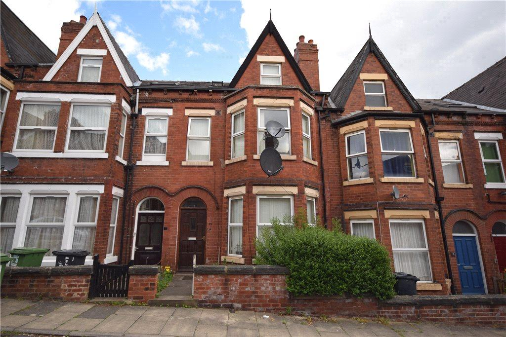 5 Bedrooms Terraced House for sale in Grange Crescent, Chapeltown, Leeds