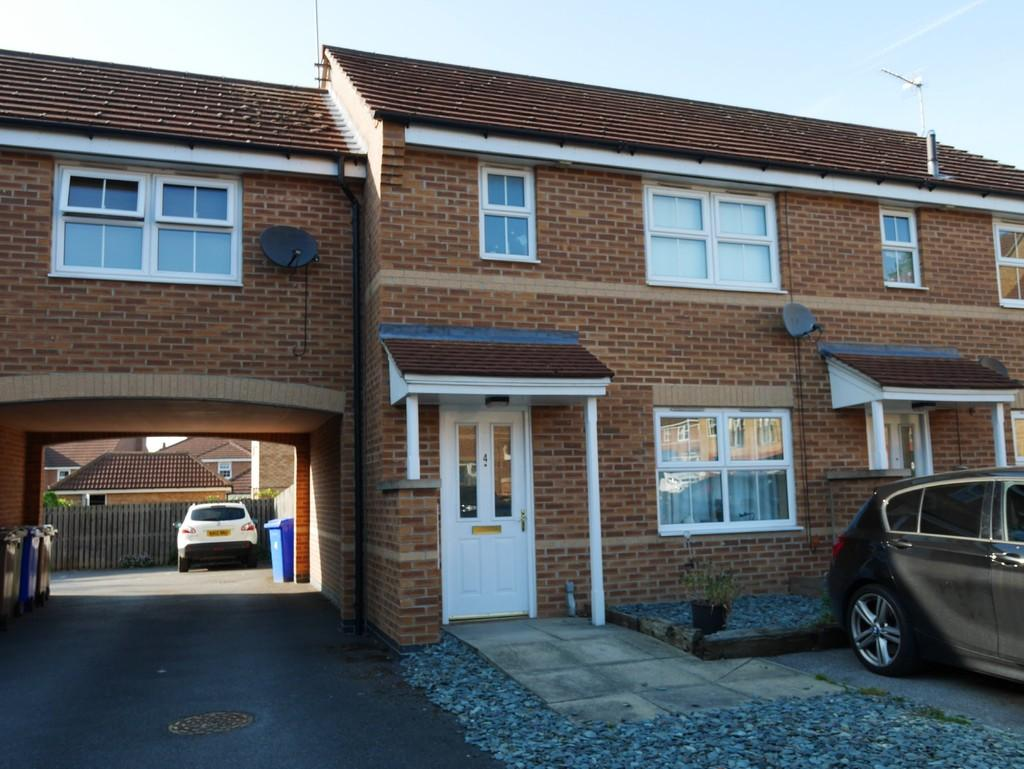 3 Bedrooms Semi Detached House for rent in Rees Close, Market Weighton