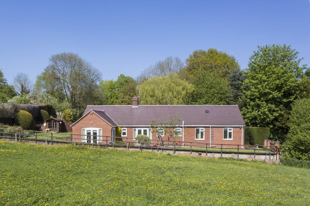 4 Bedrooms Detached Bungalow for sale in Main Street, Tatenhill