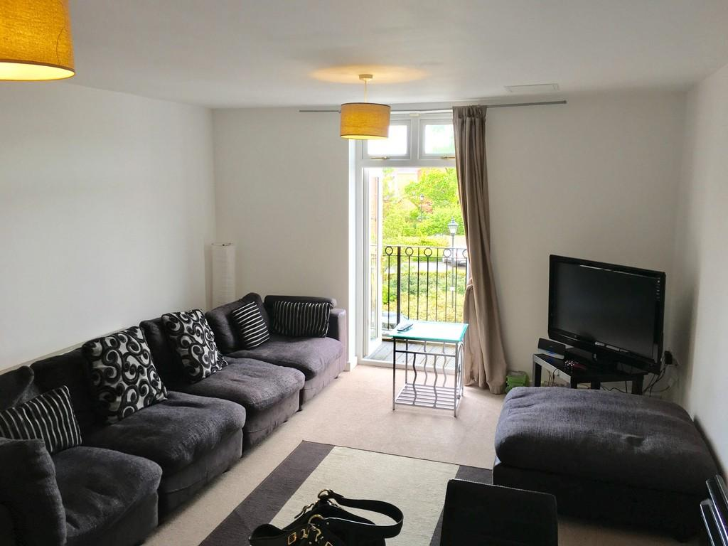 3 Bedrooms Apartment Flat for sale in Main Street, Dickens Heath
