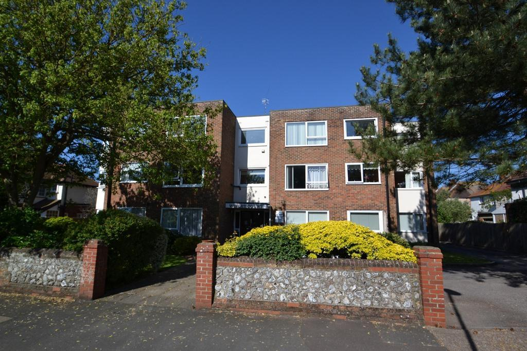 2 Bedrooms Flat for sale in Wisley Court, West Avenue, West Worthing, BN11 5LY