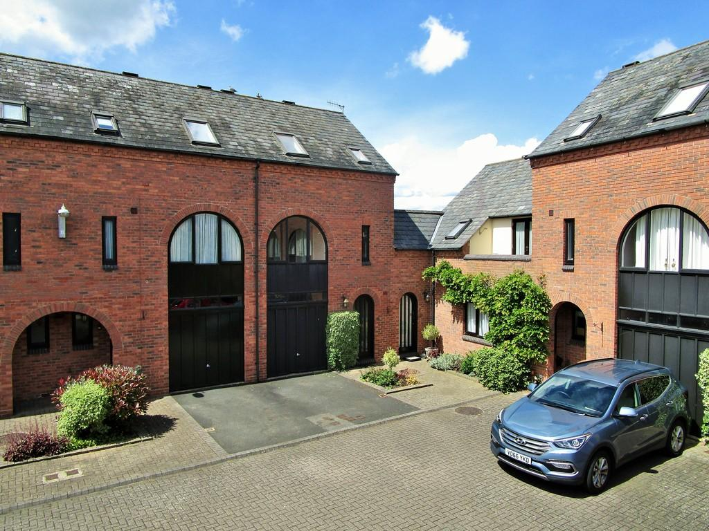 3 Bedrooms Town House for sale in College Mews, Stratford upon Avon