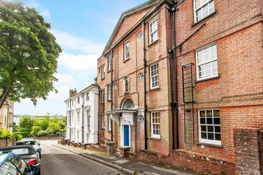 2 Bedrooms Apartment Flat for sale in Clifton Road, Winchester, SO22