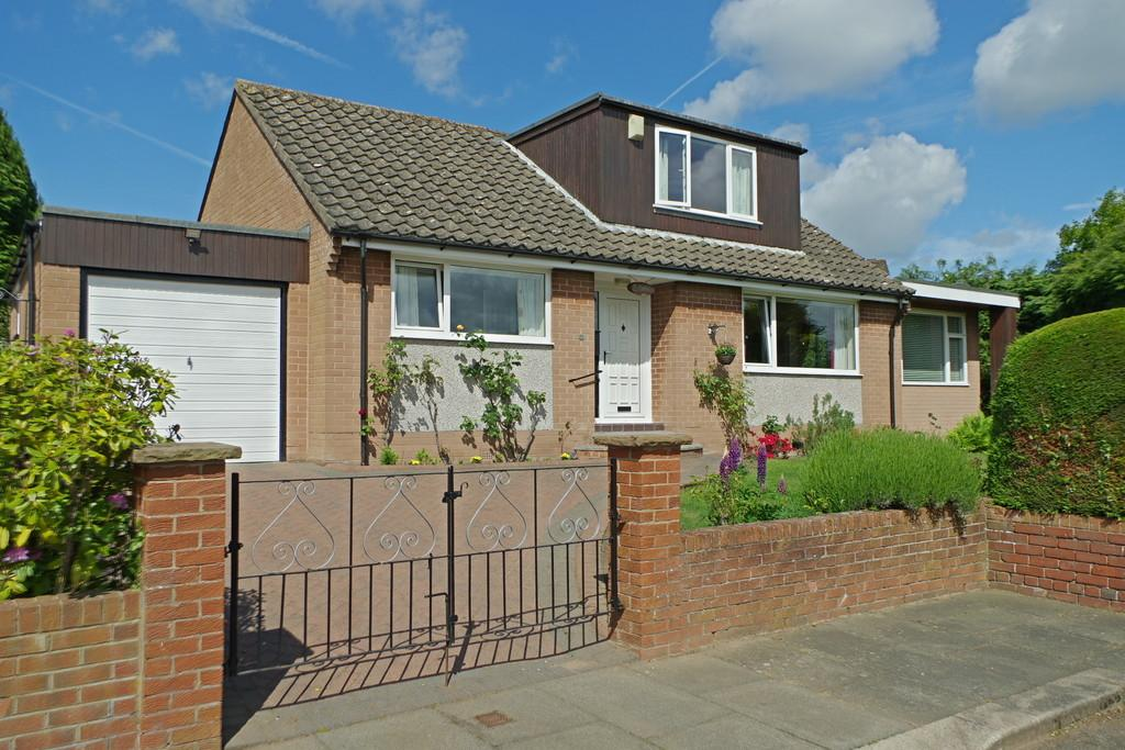 3 Bedrooms Detached Bungalow for sale in Mallyclose Drive, Carlisle