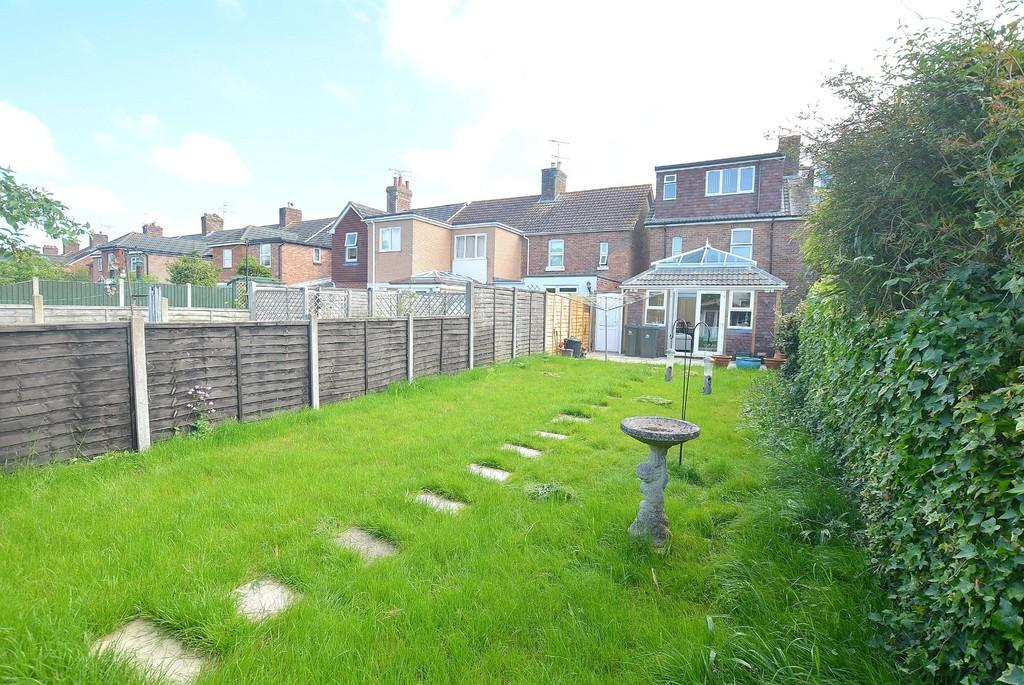 3 Bedrooms End Of Terrace House for sale in St Catherines, WIMBORNE