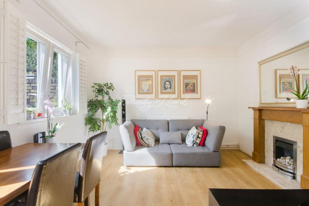 3 Bedrooms Flat for sale in Burbage Close, Borough, SE1