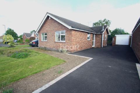 3 bedroom bungalow for sale - Wroxham Close, Shelton Lock