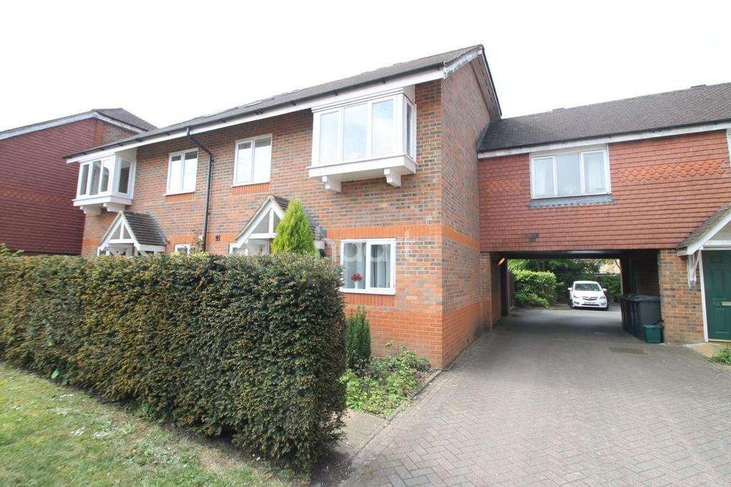 3 Bedrooms Semi Detached House for sale in Royal Huts Avenue, Hindhead