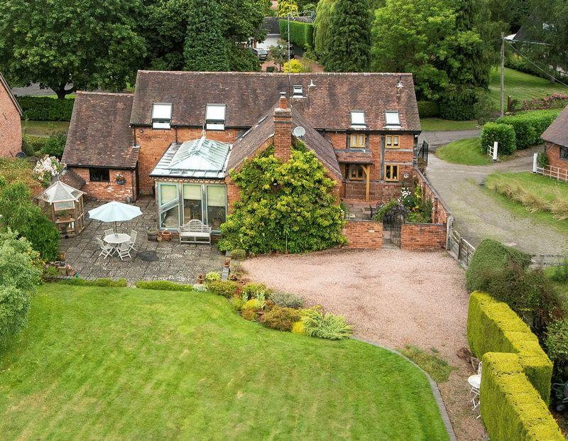 4 Bedrooms Detached House for sale in Badger, Wolverhampton