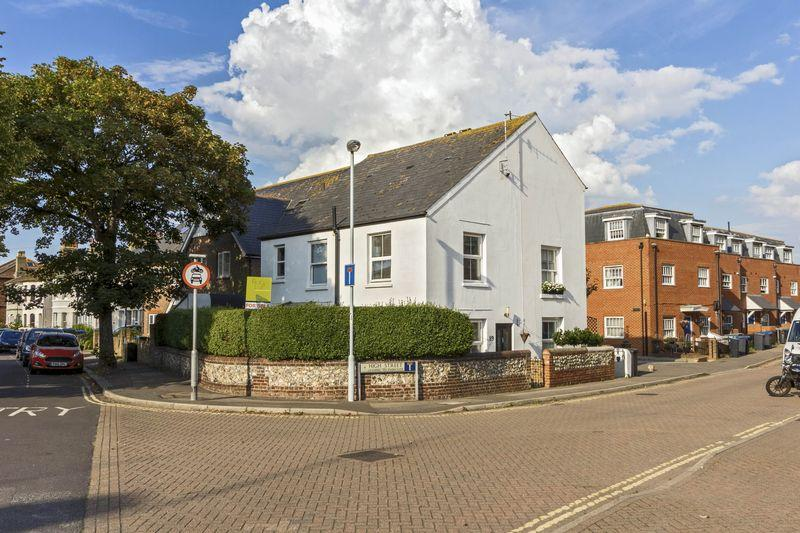 2 Bedrooms Semi Detached House for sale in High Street, Worthing