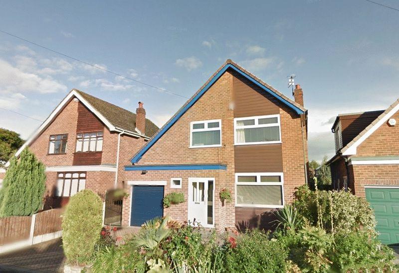 4 Bedrooms Detached House for sale in Penryn Avenue, Sale
