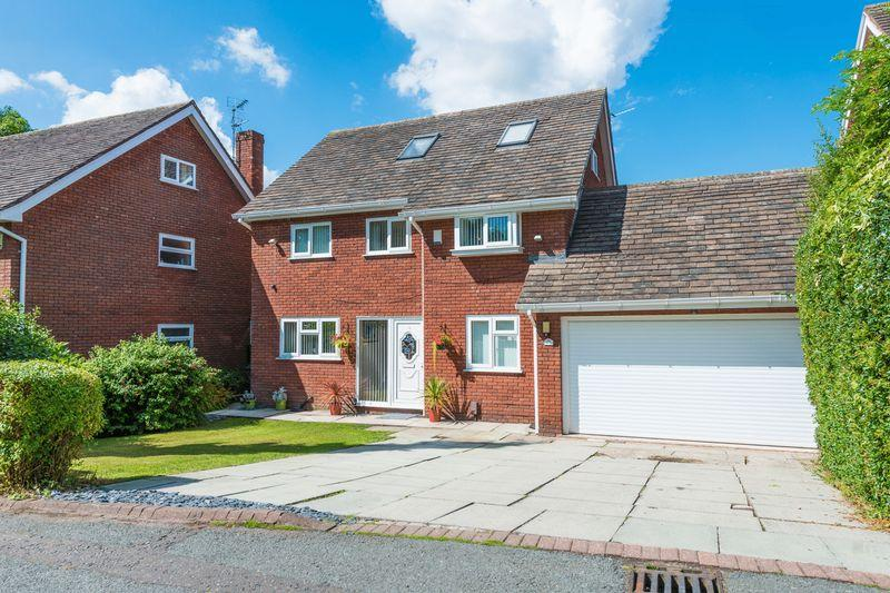 5 Bedrooms Detached House for sale in Lodge Lane, Halton Village, Runcorn