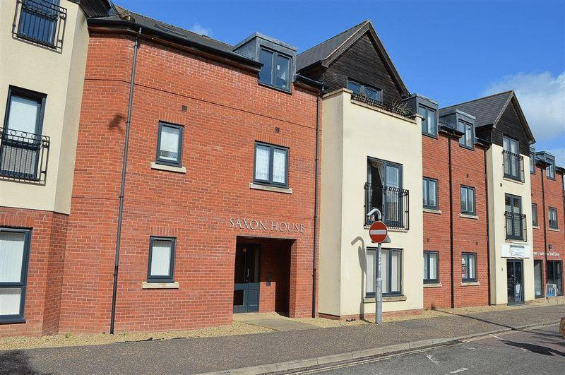 2 Bedrooms Apartment Flat for sale in Saxon House Thetford Road Watton