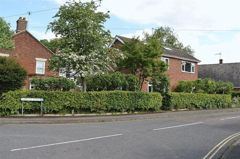 3 Bedrooms Detached House for sale in Vincent Place Watton
