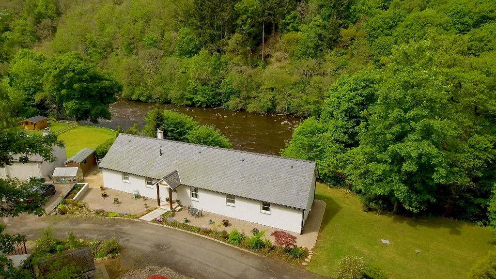 4 Bedrooms Detached House for sale in Balmoral Road, Blairgowrie, Perthshire , PH10 7HY