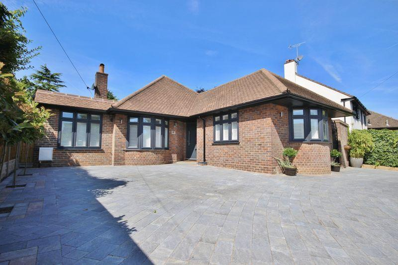 4 Bedrooms Detached Bungalow for sale in BANSTEAD