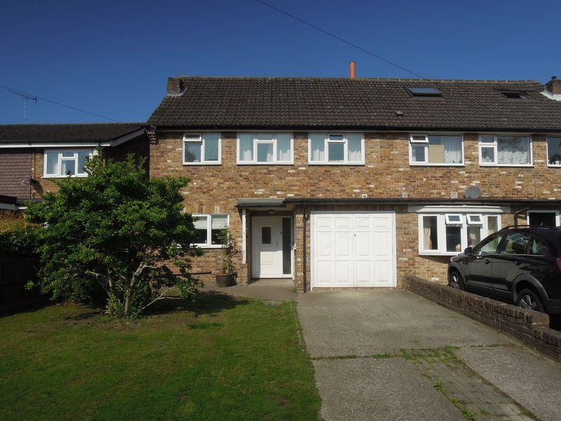 4 Bedrooms Semi Detached House for sale in St Marys Road, Langley