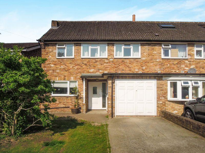 4 Bedrooms Semi Detached House for sale in Off Langley Road, Langley