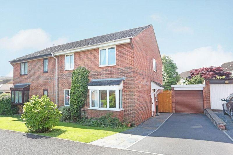 4 Bedrooms Semi Detached House for sale in Hatton Way, Corsham