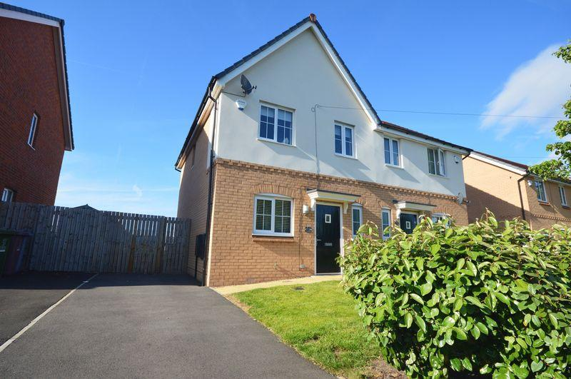 3 Bedrooms Semi Detached House for sale in Central Way, Speke