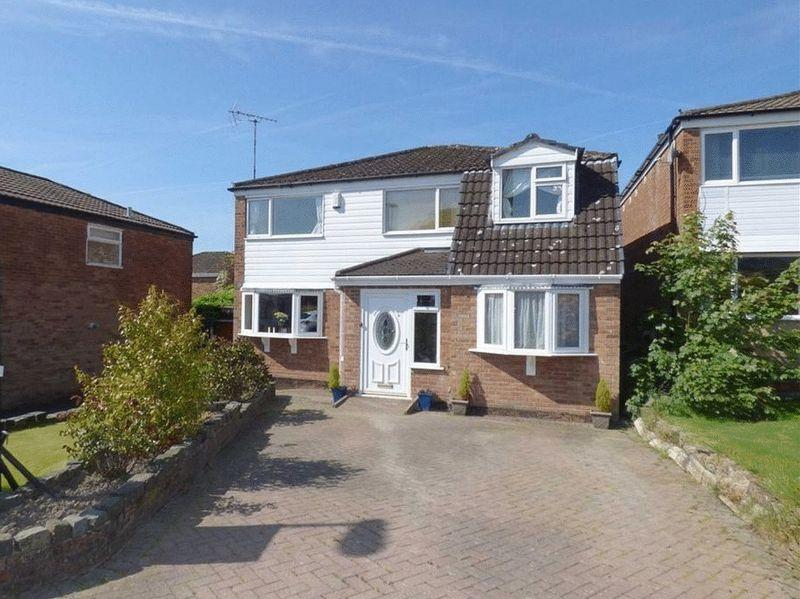 5 Bedrooms Detached House for sale in Hillstone Avenue, Rochdale