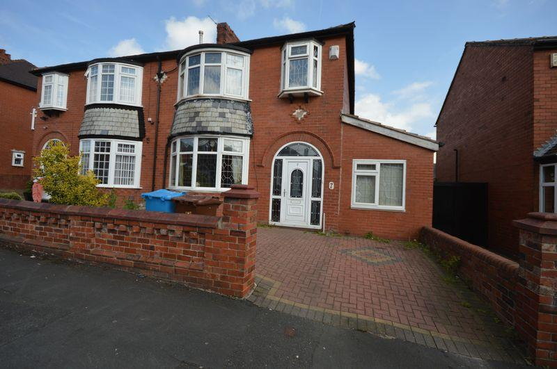 4 Bedrooms Semi Detached House for sale in Oriel Avenue, Oldham
