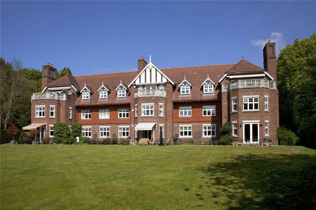 2 Bedrooms Flat for sale in Park View, Seal Hollow Road, Sevenoaks, Kent, TN13