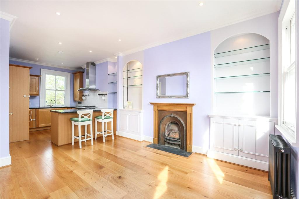 2 Bedrooms Flat for sale in Munster Road, Parsons Green, Fulham, SW6