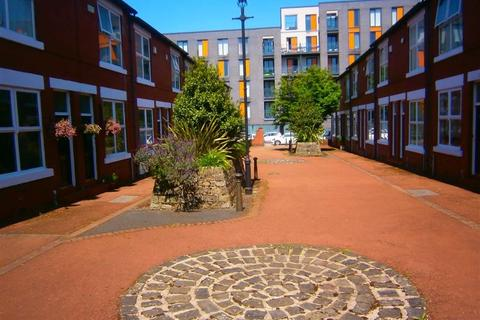 2 bedroom terraced house to rent - Evans Street, Salford, Manchester, M3