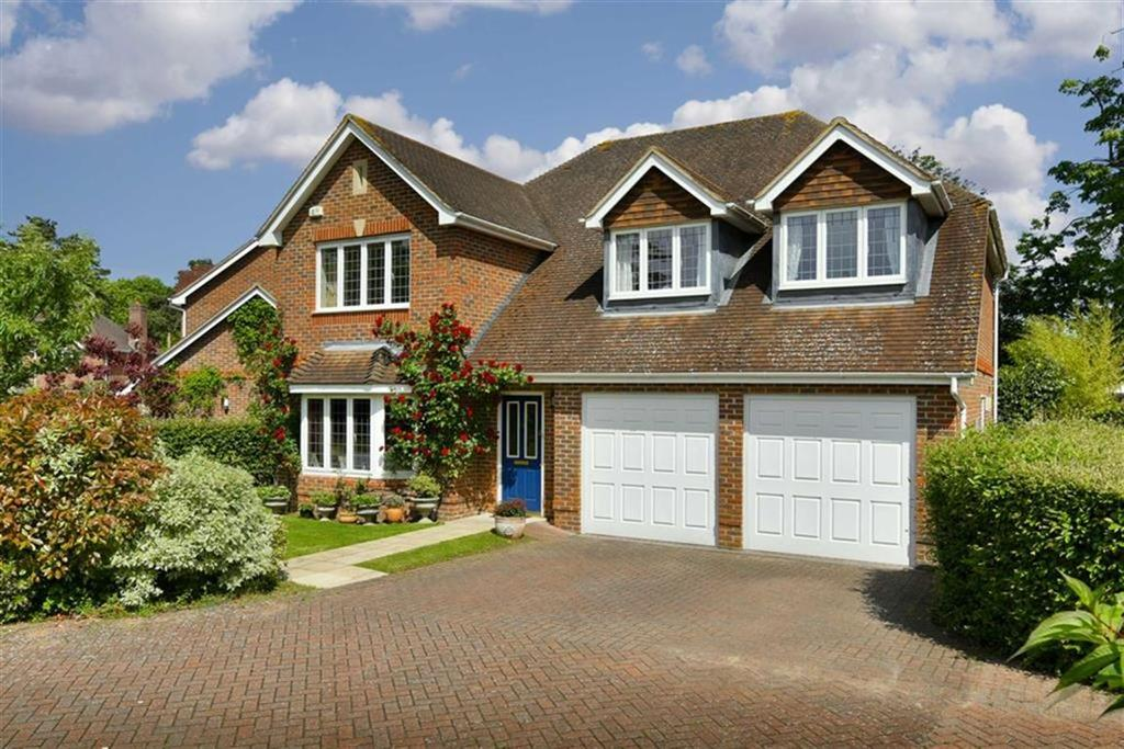 5 Bedrooms Detached House for sale in Lady Harewood Way, Epsom, Surrey