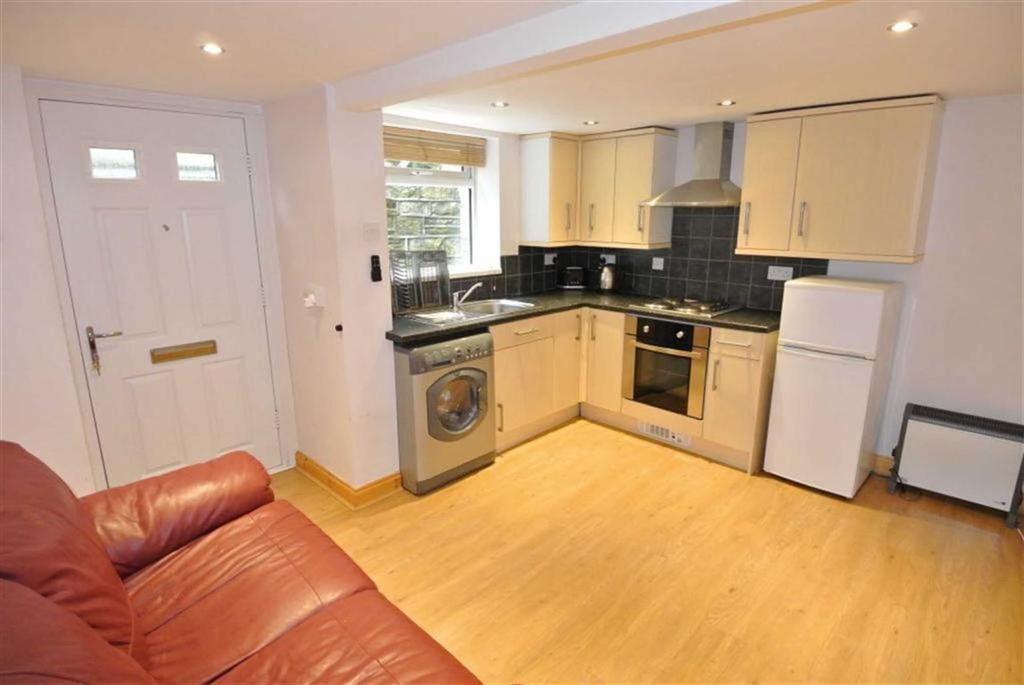 1 Bedroom Terraced House for sale in Manchester Road, Milnsbridge, Huddersfield, HD4