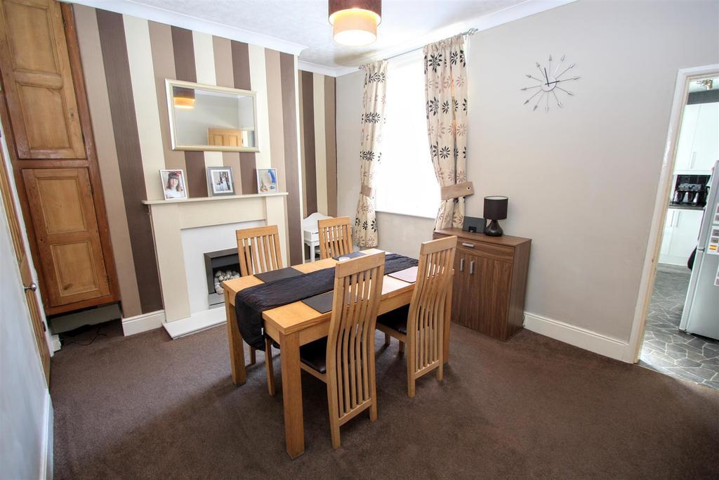 2 Bedrooms Terraced House for sale in Bartlett Street, Darlington