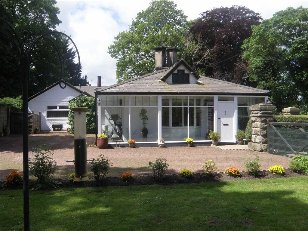 3 Bedrooms Detached Bungalow for sale in White Lodge, Llay Road, Rossett
