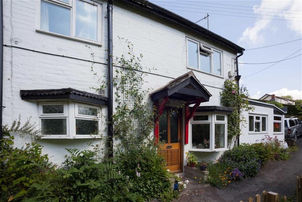 2 Bedrooms Semi Detached House for sale in George Road, KNIGHTON, Knighton, Powys