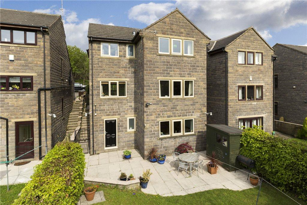 5 Bedrooms Detached House for sale in Ling Park Avenue, Wilsden, Bradford, West Yorkshire