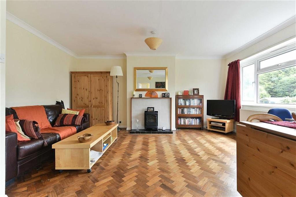 2 Bedrooms Maisonette Flat for sale in Castleton Close, Banstead, Surrey