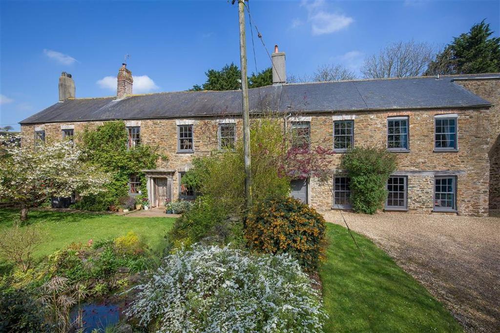 7 Bedrooms Detached House for sale in Washbourne, Totnes, Devon, TQ9